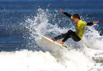 Surfing, Image ©